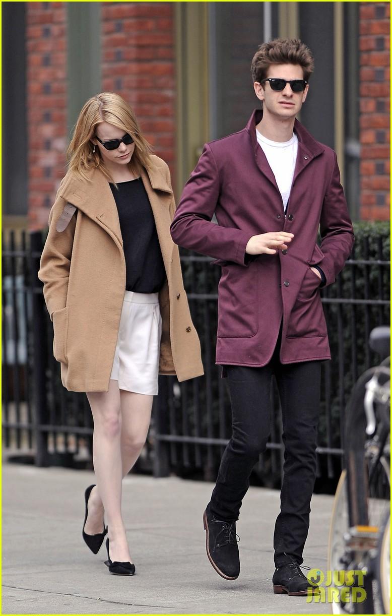 Emma Stone & Andrew Garfield Stroll In the City - Andrew Garfield ...