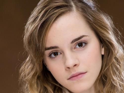 Emma Watson fondo de pantalla