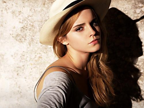 Emma Watson দেওয়ালপত্র