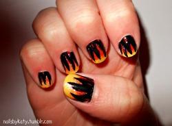 火, 消防 Nails