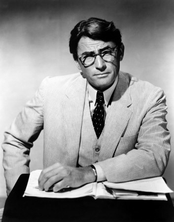 Gregory Peck wallpaper containing a business suit, a suit, and a three piece suit called Gregory Peck