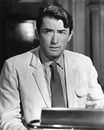 Gregory Peck দেওয়ালপত্র with a business suit and a suit entitled Gregory Peck
