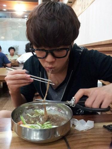 Hongki (이홍기)