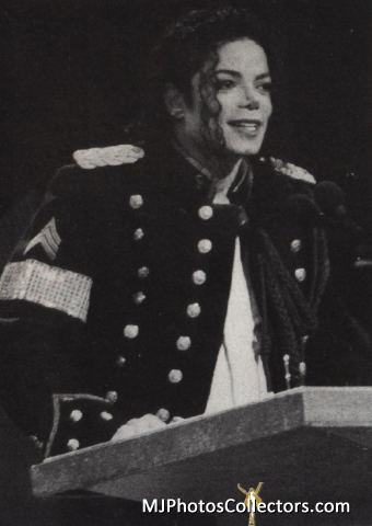 I COULD FILL AN OCEAN WITH THE TEARS I CRY FOR Du MICHAEL