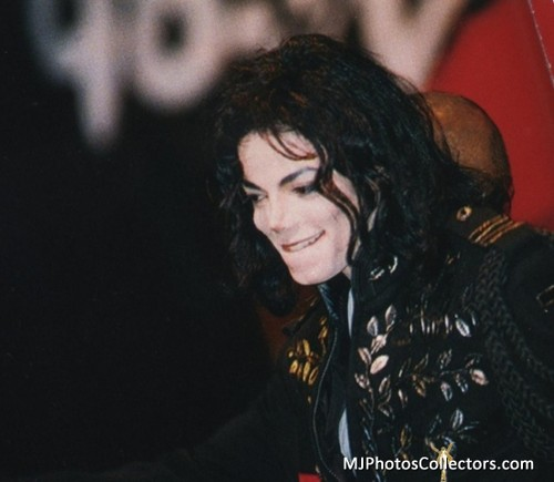 I COULD FILL AN OCEAN WITH THE TEARS I CRY FOR YOU MICHAEL