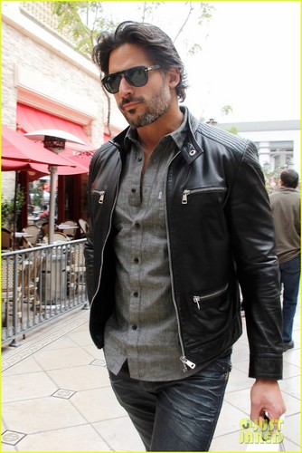 Joe Manganiello wolpeyper with a business suit entitled Joe Manganiello: Upcoming 2012 Films!