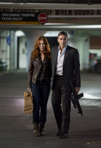 "John Reese वॉलपेपर containing a business suit, a suit, and a three piece suit called John Reese || 1x10 ""Number Crunch"""