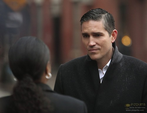 "John Reese kertas dinding containing a business suit and a suit called John Reese || 1x20 ""Flesh and Blood"""