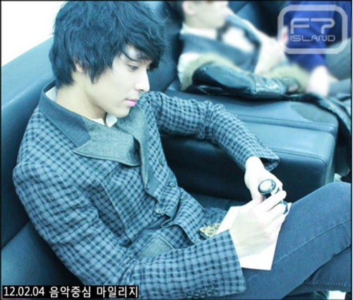 FT ISLAND (에프티 아일랜드) wallpaper probably with a well dressed person and a business suit called Jong Hun (최종훈)