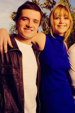 Josh and Jen - jennifer-lawrence-and-josh-hutcherson Photo