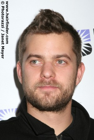 Joshua Jackson wallpaper probably containing a portrait entitled Joshua Jackson <3