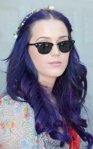 Katy Perry wallpaper probably containing sunglasses called Katy a Desert Pool Party at Coachella