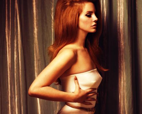 Lana Del Rey karatasi la kupamba ukuta probably with attractiveness and a portrait called Lana✿ ღ • *