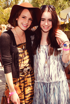Lily Collins and Emma Watson at the Mulberry Pool Party at the Coachella muziek Festival