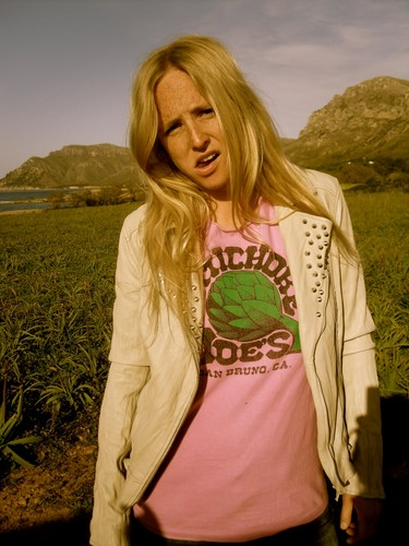 Lissie Promo Shot for 'Catching a Tiger' (Pink Shirt) 2