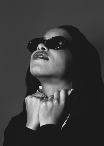 Aaliyah wallpaper with sunglasses called Liyah :)