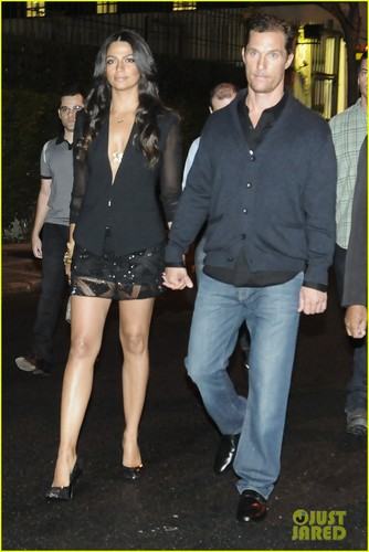 Matthew McConaughey &amp; Camila Alves: Noir, Le Lis Opening! - matthew-mcconaughey Photo