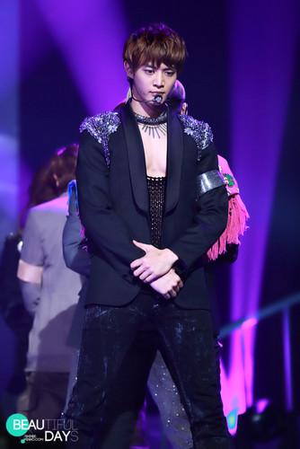 MinHo at KBS konser (: