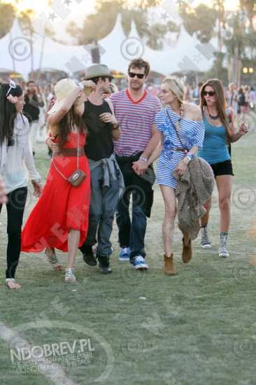 More Nina and Ian at Coachella! - ian-somerhalder-and-nina-dobrev photo