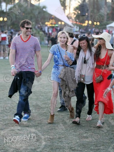 lebih Nina and Ian at Coachella!