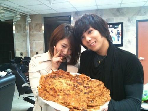 Park Shin Hye & Hong Ki