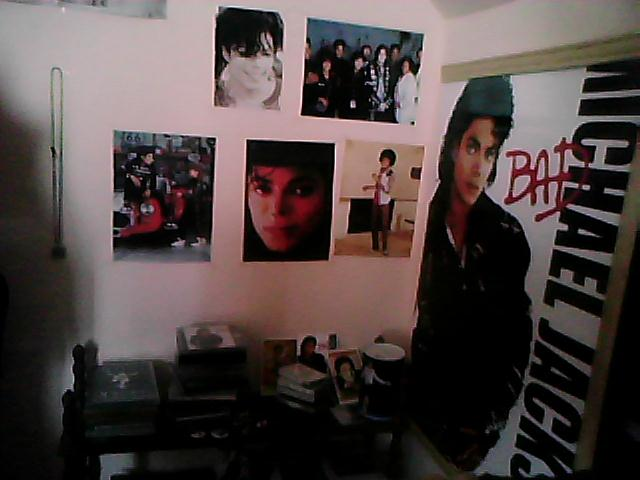 My room pictures ( I can't live without my pictures)