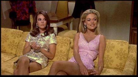 Natalie Wood wallpaper entitled Nat and Dyan Cannon in B.C.T.A