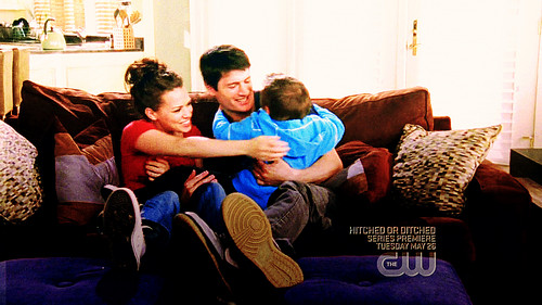 Nathan Scott 壁纸 with a family room, a living room, and a 长椅, 沙发 called Nathan♡