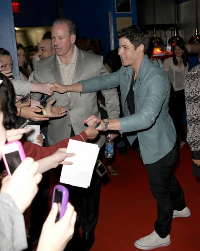 Nick Jonas - Hollywood Planet 2012