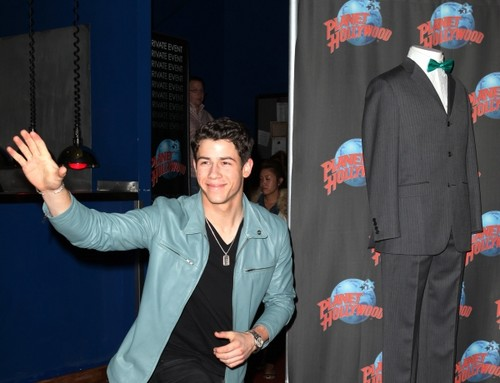 Nick Jonas - Hollywood Planet 2012