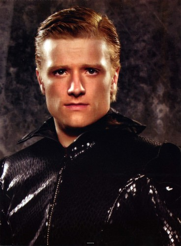 Peeta Mellark 바탕화면 probably with an outerwear and a surcoat, 외투 called Peeta