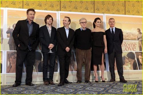Penelope Cruz: 'To Rome With Love' تصویر Call
