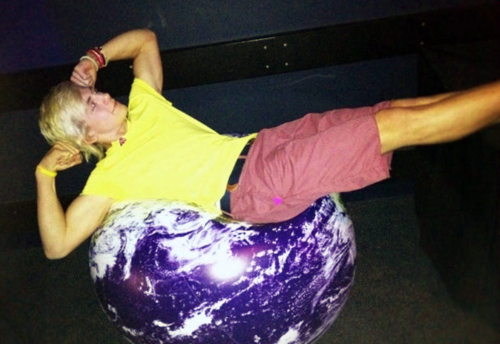 Ross Lynch. King of the world. Yes! LOL