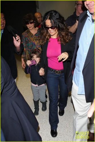 Salma Hayek: Airport Fun with Valentina!