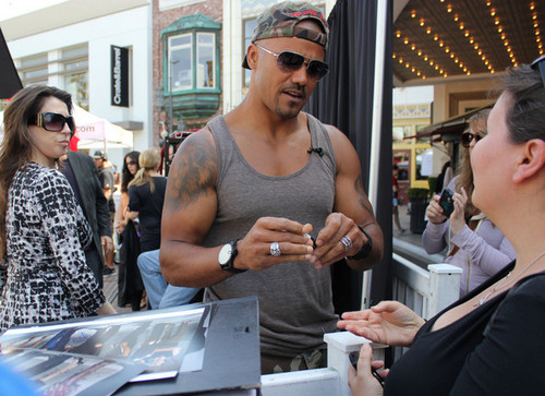 Shemar Moore Walks His Dog At The Grove