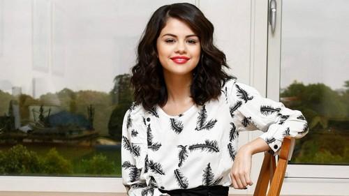 Stunning Beauty Selena Gomez♥