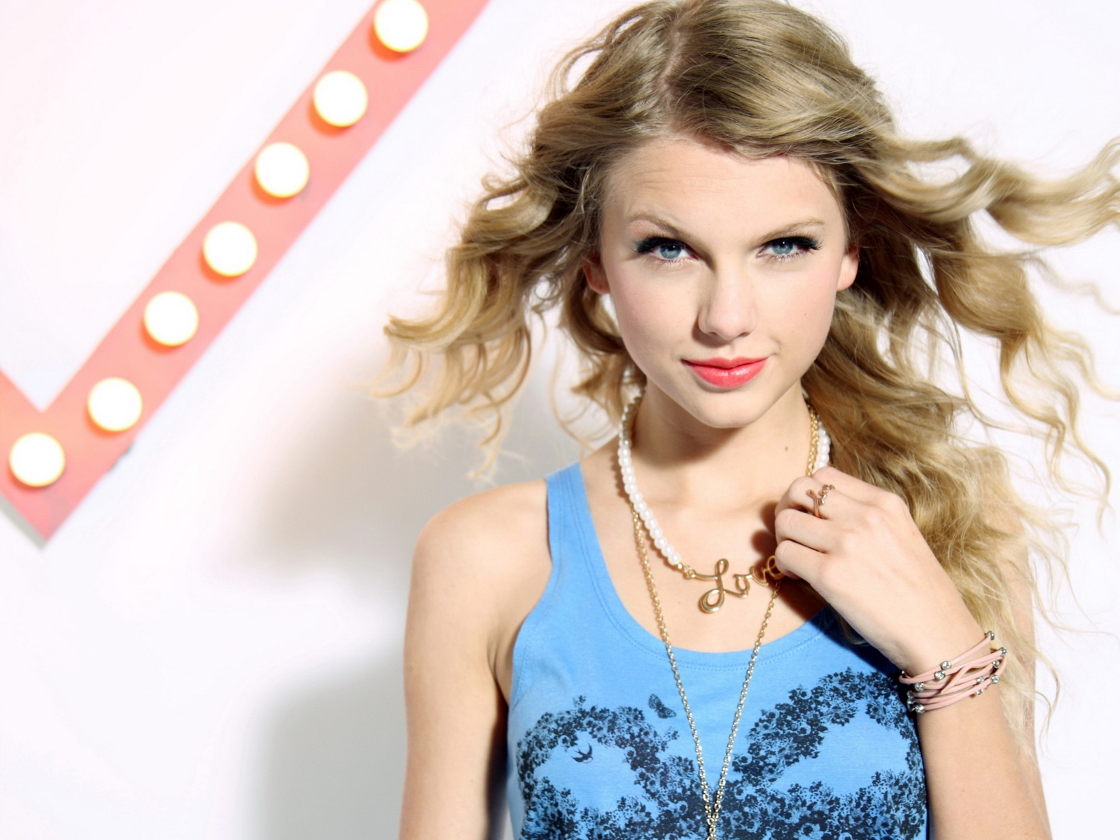 Taylor Swift images Swift HD wallpaper and background ... Taylor Swift