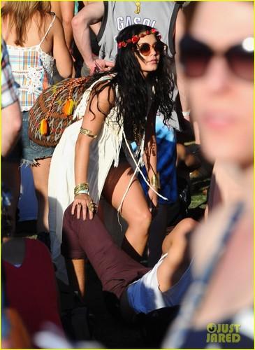 Vanessa Hudgens & Austin Butler: Coachella دن Three!