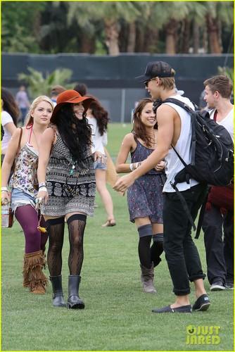 Vanessa Hudgens & Austin Butler: Coachella Kisses