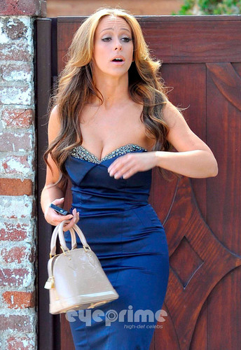 Wearing a Sexy Blue Dress Outside Her ہوم In Toluca Lake [ 9 April 2012]
