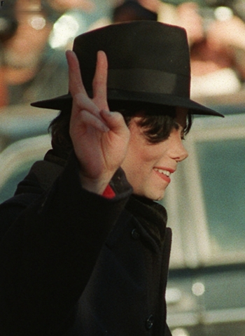 आप SHOULD BE THE EIGHTH WONDER OF THE WORLD MICHAEL