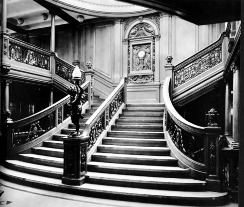 R.M.S. Titanic wallpaper possibly containing a tromba delle scale titled grand staircase