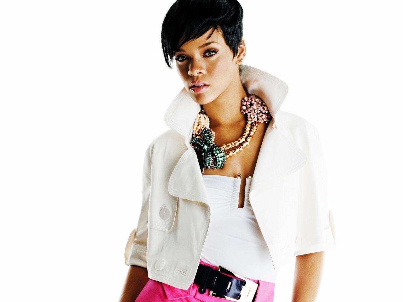 Riri Fashion Rihanna Wallpaper 30415574 Fanpop