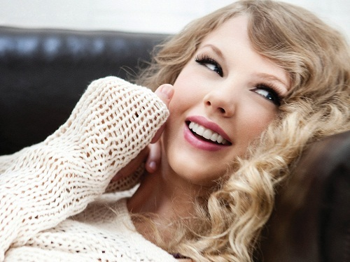 smiling taylor