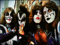 ☆ KISS ☆ - kiss wallpaper