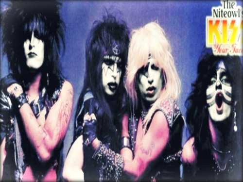 Heavy Metal karatasi la kupamba ukuta possibly containing anime entitled ☆ Motley Crue as Kiss ☆