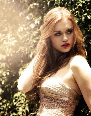 Holland Roden Hintergrund containing a cocktail dress, a strapless, and a abendessen dress titled + holland