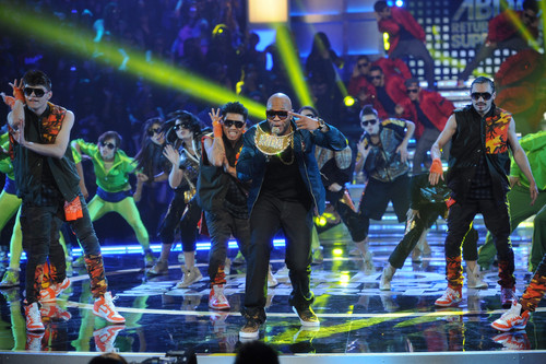 America's Best Dance Crew wallpaper containing a concert titled ABDC S7 Featuring Flo-Rida!