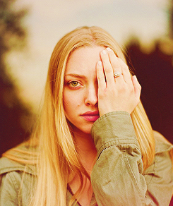 amanda seyfried wallpaper with a portrait called AS