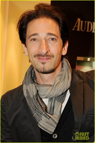 Adrien Brody: 'Royal Oak 40 Years' ককটেল Party!